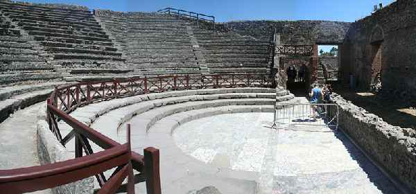 Theaters Of Pompeii Beginning Latin Course Hum Rel 293